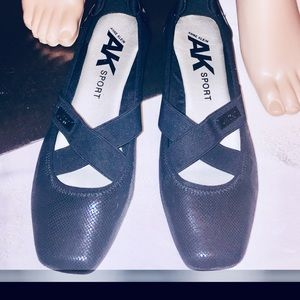 Black Flats Size 9 1/2